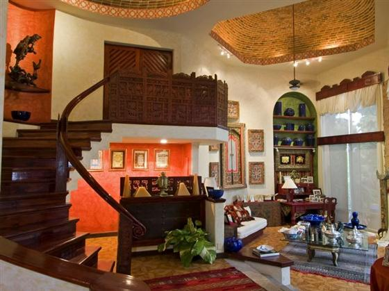 Elegant and Luxurious Moroccan Style Home Design Curve staircase