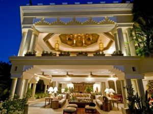 Elegant and Luxurious Moroccan Style Home Design Dining room