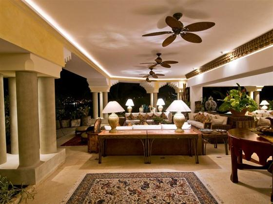 Elegant and Luxurious Moroccan Style Home Design Outdoor Dining Room