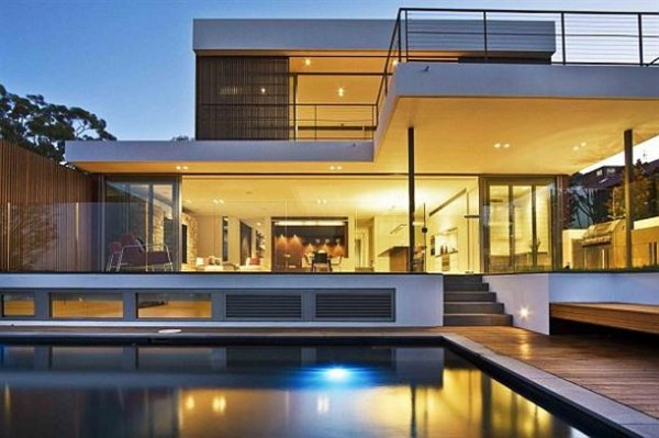 Elegant and Modern House Design by Corben Architects