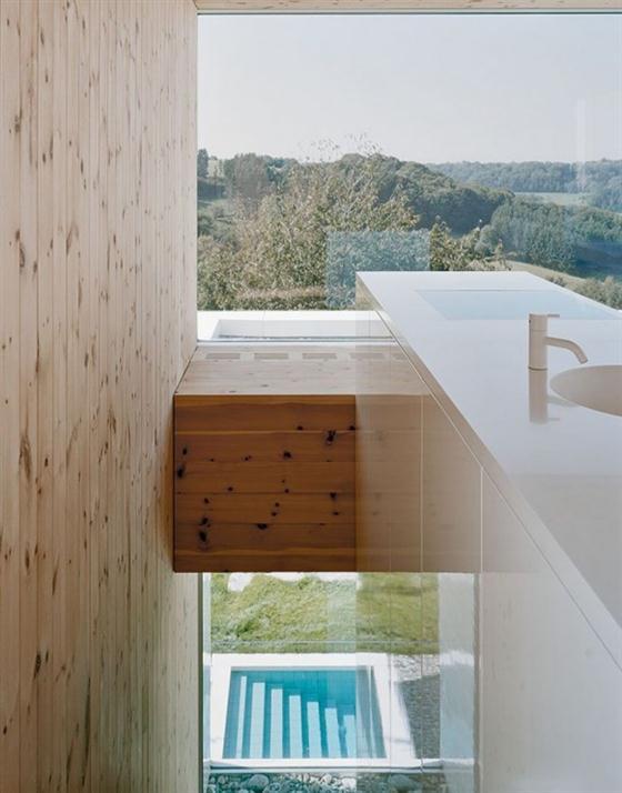 Elegant and Modern White Germany House Design Interior Desgin