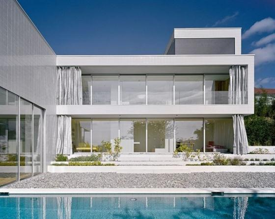 Elegant and Modern White Germany House Design Side House