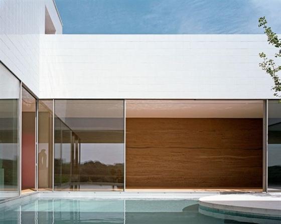 Elegant and Modern White Germany House Design Swimming pool