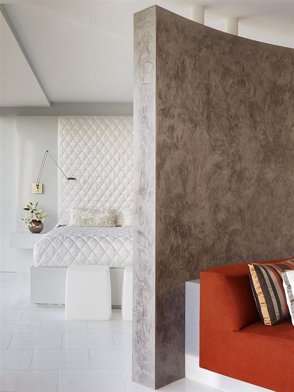 Elegant and luxurious Semi circular Apartment in California