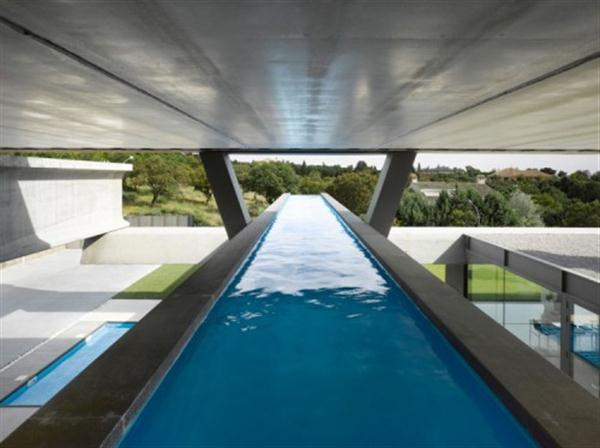 Extraordinary Home by Ensamble Studio with amazing and cool swimming pool