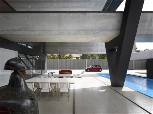 Extraordinary and cool terrace on Hemeroscopium House from Ensamble Studio