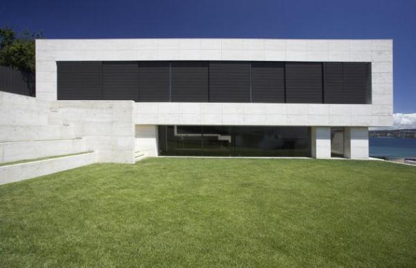 Futuristic Home Design Inspiration from A ceros Galicia with big black window