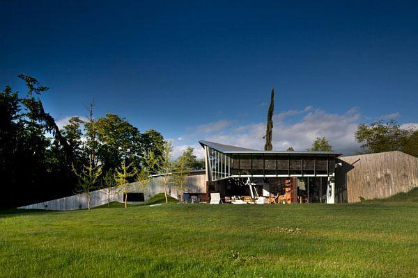 Futuristic Home Design with big yard