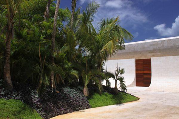 Futuristic White Beach Home in Dominican Republic yard