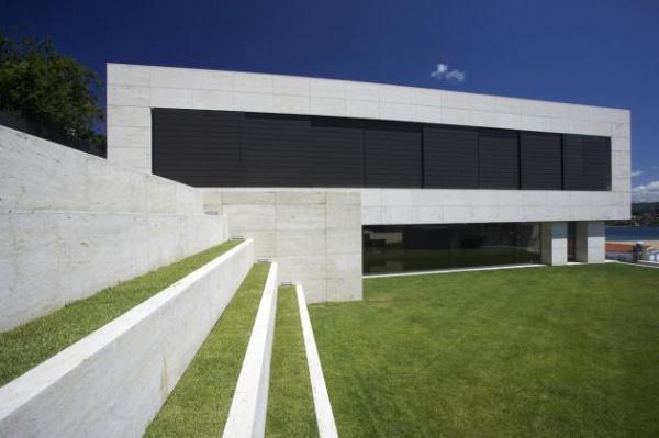 Futuristic and Bright Home Design Inspiration from A ceros Galicia garden decor