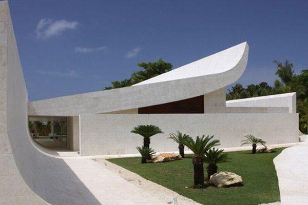 Futuristic Beach Home Design in Dominican Republic