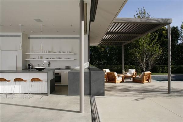 bright terrace Design in Los Angeles California