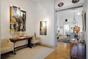 traditional Apartment Design with artistic decoration in Stockholm